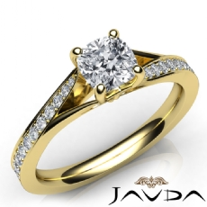 Cushion diamond  Ring in 14k Gold Yellow