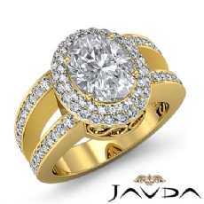 Glamorous Vintage Halo Oval diamond engagement Ring in 18k Gold Yellow
